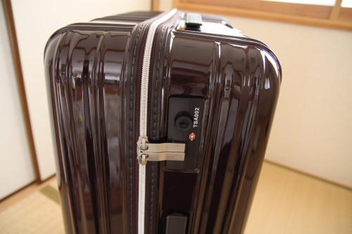 スーツケース05