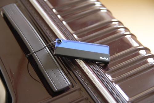 スーツケース用のネームタグ