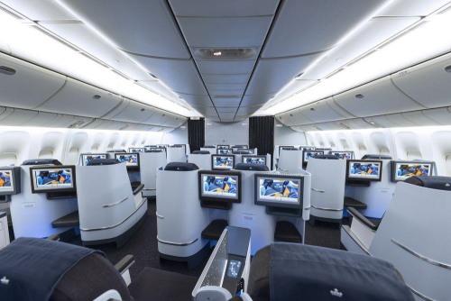 KLM_777-200_ビジネスクラス02