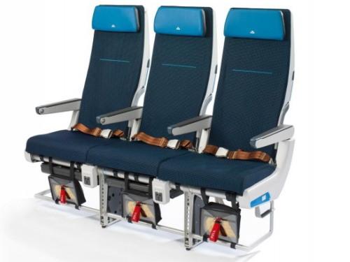 KLM_777-200_エコノミー01