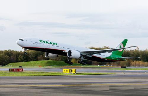 エバー航空777-300ER型機